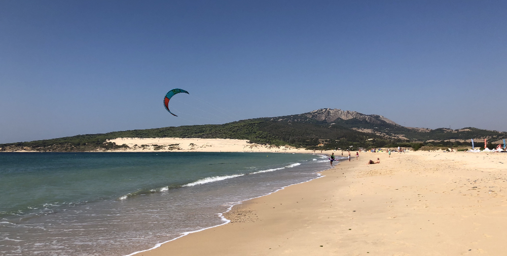 Valdevaqueros single kite surfer